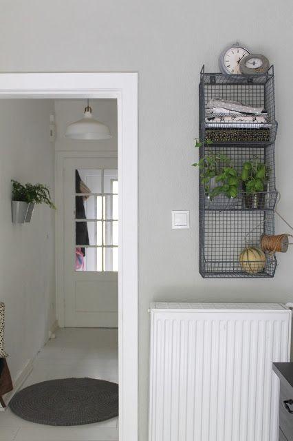 Küchendetail aus Brittas Küche in Kombination mit der Wandfarbe K/10