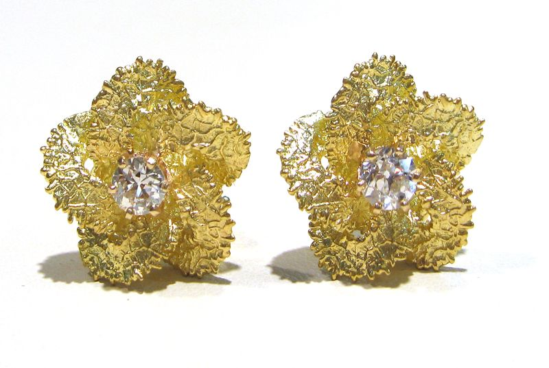 Abercrombie Gems and Precious Metals: 1970's 18k Yellow Gold Flower Earrings. 1 Carat TDW Old European Cut Diamonds