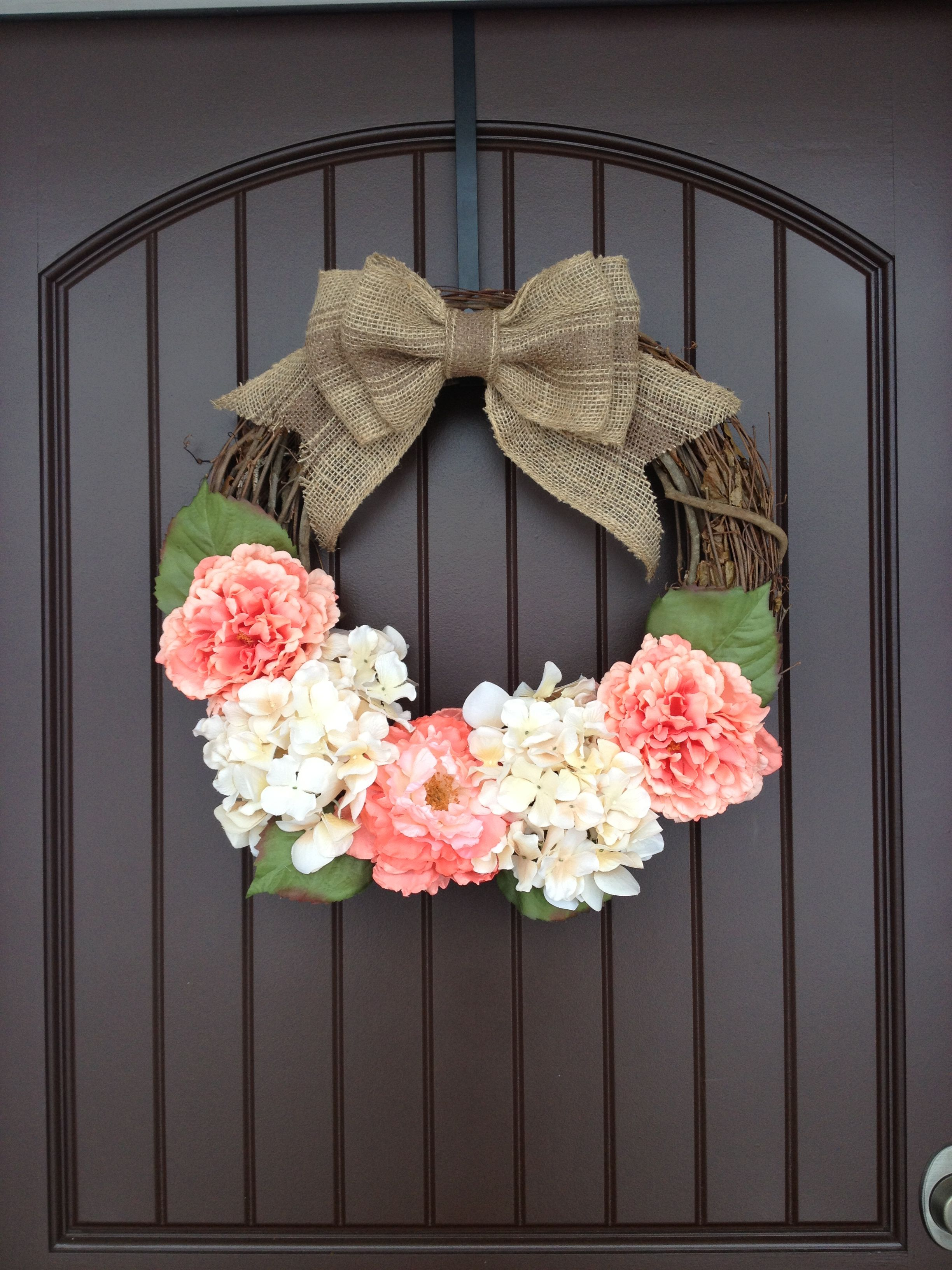 Spring door wreath. DIY Door Wreath. So easy to make! Only