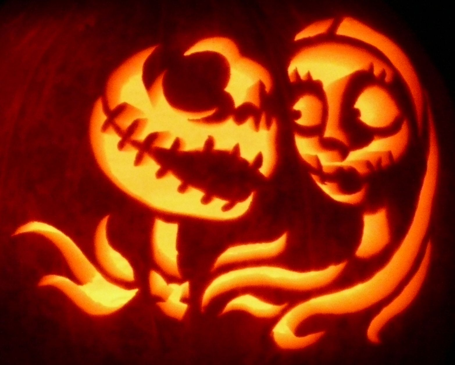 Here\'s a zombiepumpkins.com Nightmare Before Christmas carving on a ...