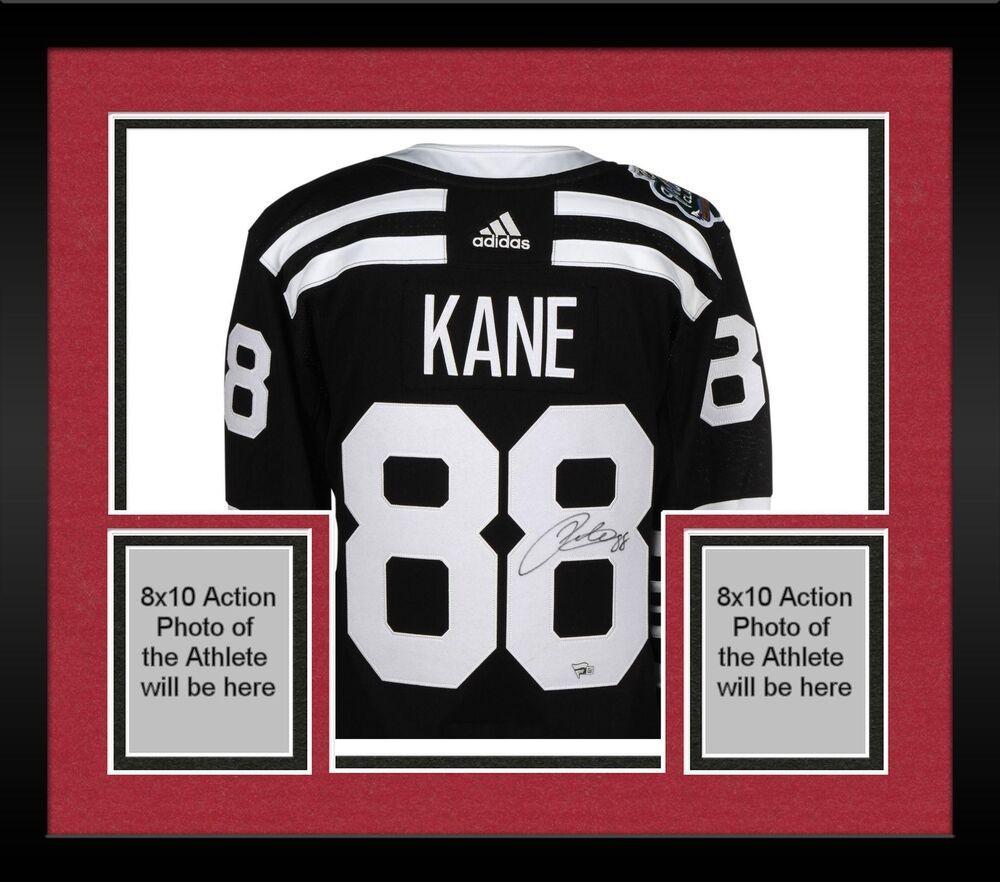 Framed Patrick Kane Chicago Blackhawks Signed Black 2019 Winter Classic  Jersey 5e6c5b141