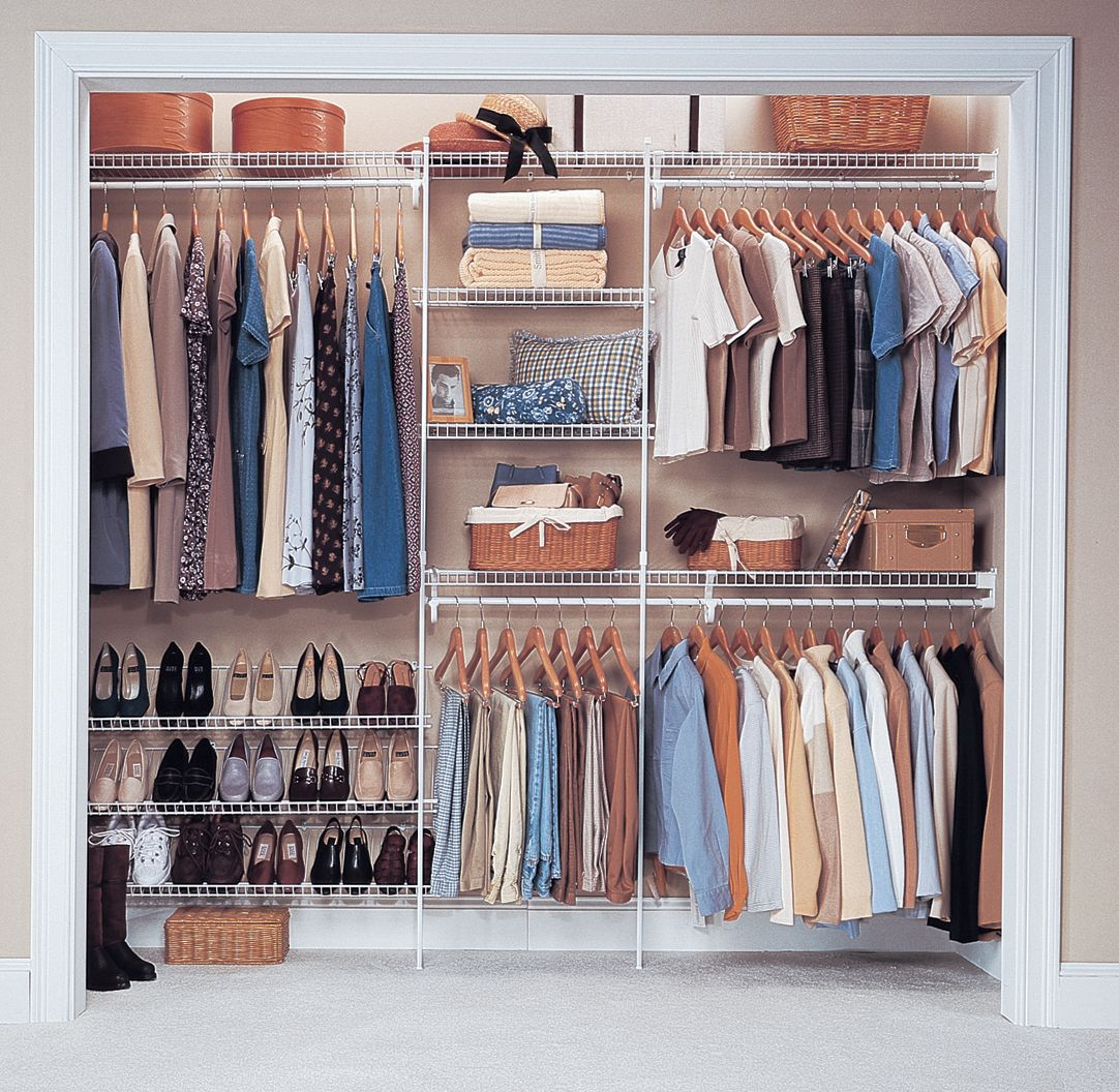 Reach In Closet Wire Closet Maximizes Space Closet Layout