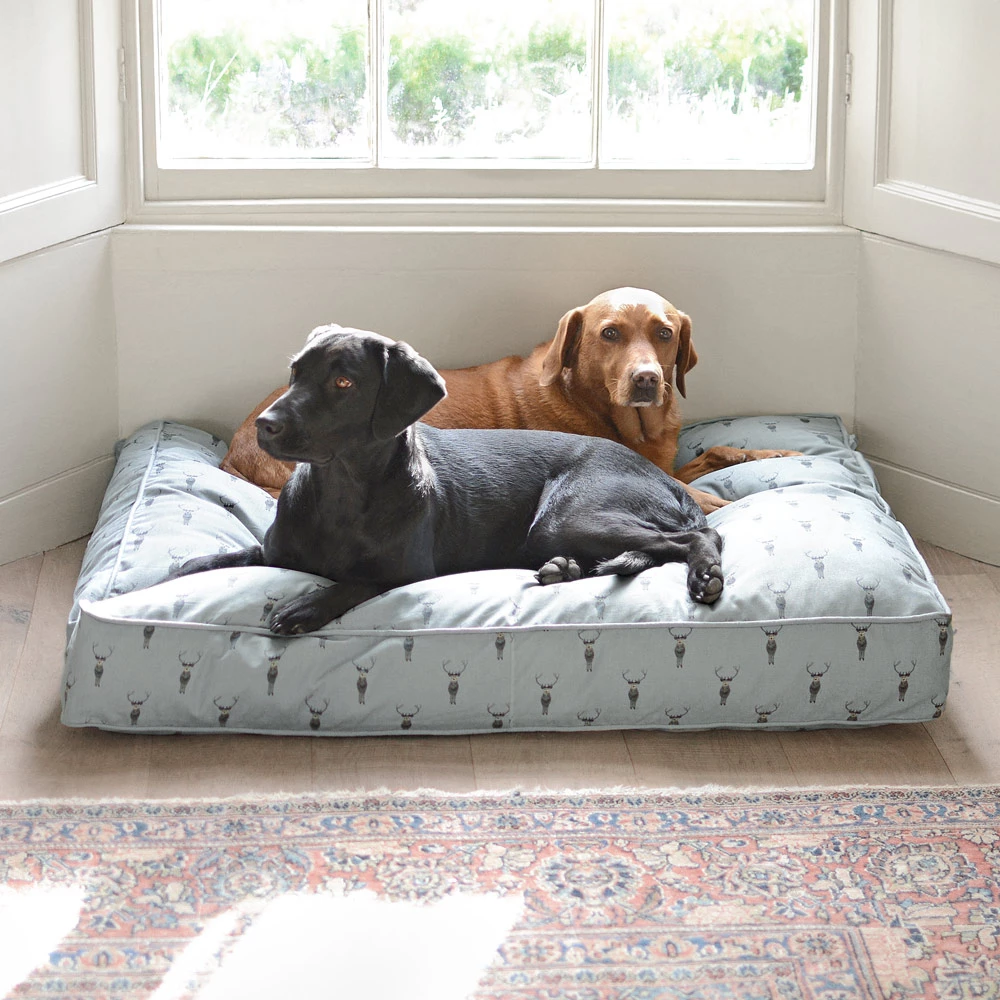 Highland Stag Pet Mattress With Images Dog Mattresses Pet Mattress Mattress Dog Bed