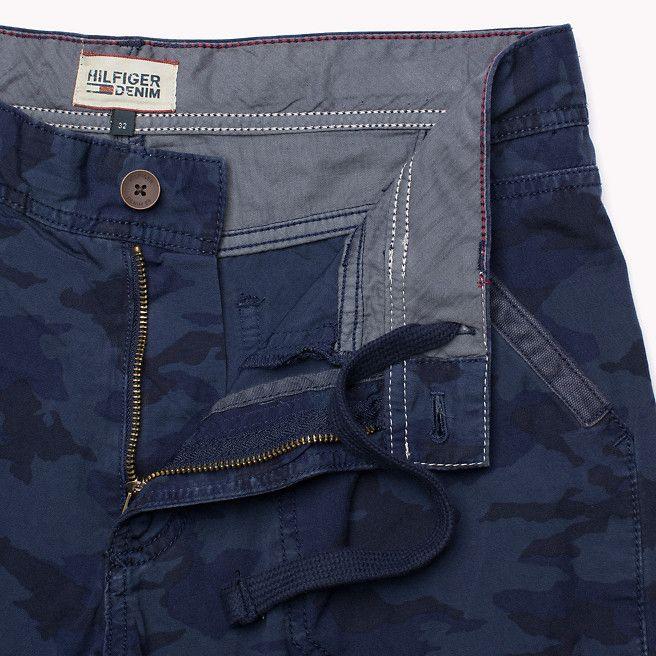 Hilfiger Denim Shayne Solid Cargo Shorts - peacoat camo (Blue) - Hilfiger Denim Shorts - detail image 3