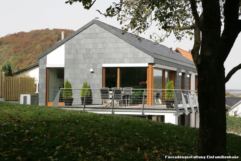 Fassadengestaltung Einfamilienhaus Modern Haus U0026 Fassade With  Fassadenbekleidung By Rathscheck Schiefer Und Dach Systeme At