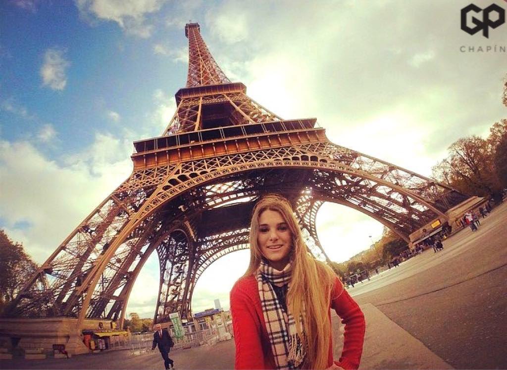 #PrayForParis #goprochapin en FRANCIA Hoy subiremos fotos de chapines en Paris. Nuestras condolencias a los Franceses NO mas violencia NO mas terrorismo. #chapinesporelmundo   Credits: @sophia_faillace  by gpchapin