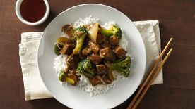 Slow-Cooker Easy Beef and Broccoli #beefandbroccoli Stir-Fry Beef and Broccoli Recipe - BettyCrocker.com #beefandbroccoli