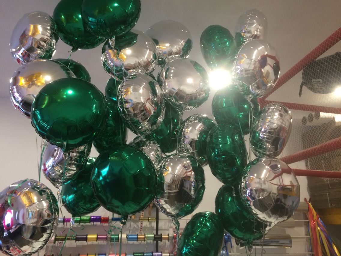 18 silver and emerald green balloons everywhere