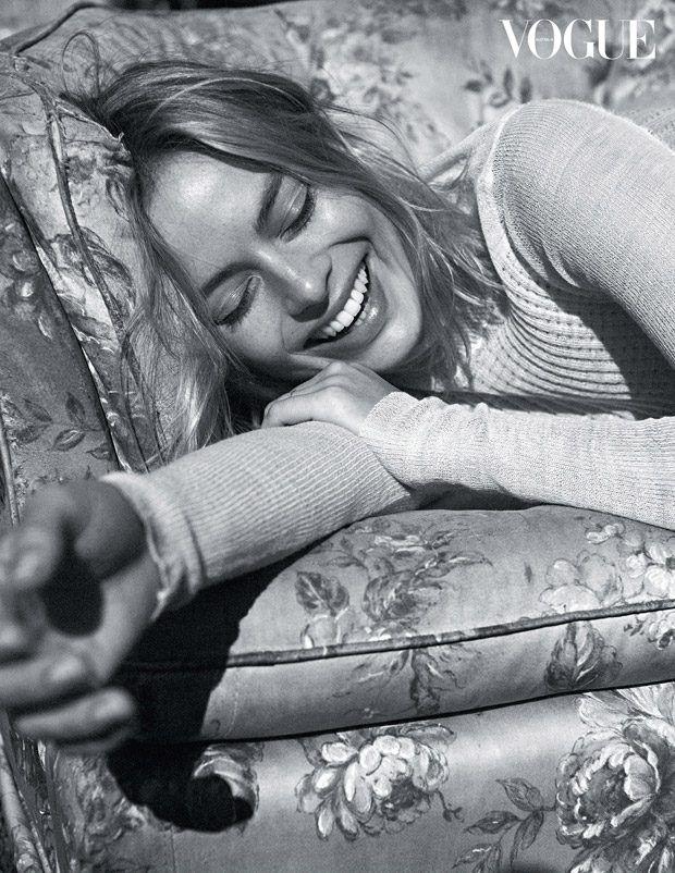 Vogue Australia December 2017 Margot Robbie by Lachlan