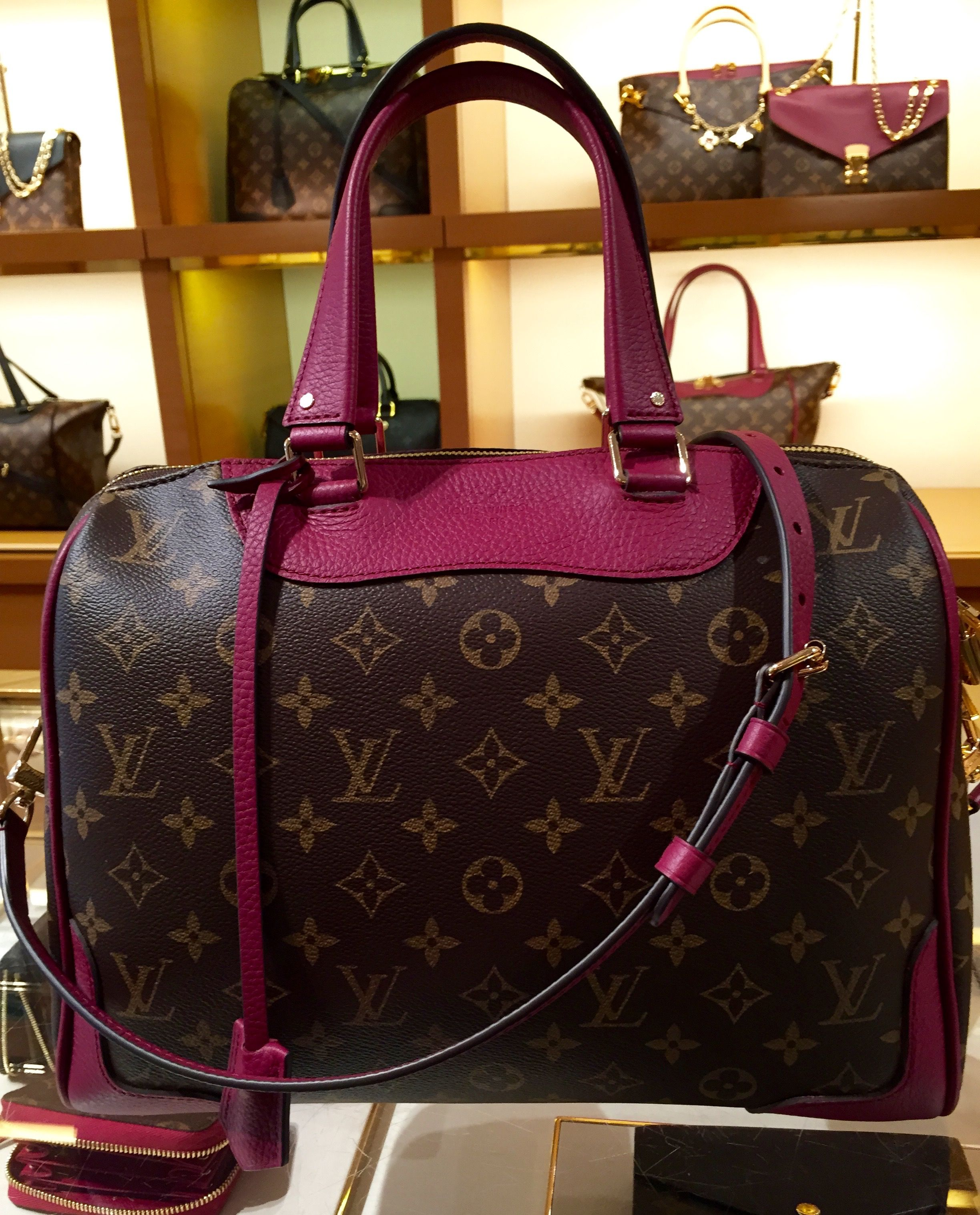 7a6127e0529f Louis Vuitton RETIRO in monogram and aurore. LOVE this bag. It s not a  style I usually carry so I won t buy it but I think it s absolutely  gorgeous!