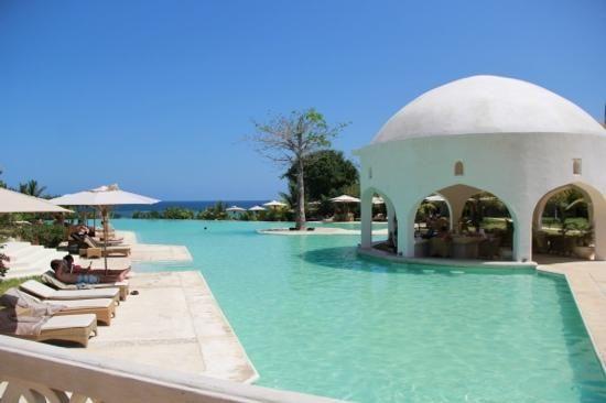 Swahili Beach Resort Boabab Swim Up