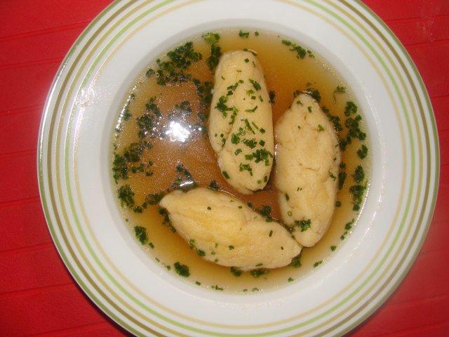 Suppe Griessnockerlsuppe Rezept In 2020 Mit Bildern Griessnockerlsuppe Rezept Nockerl Suppen Rezept Vegetarisch