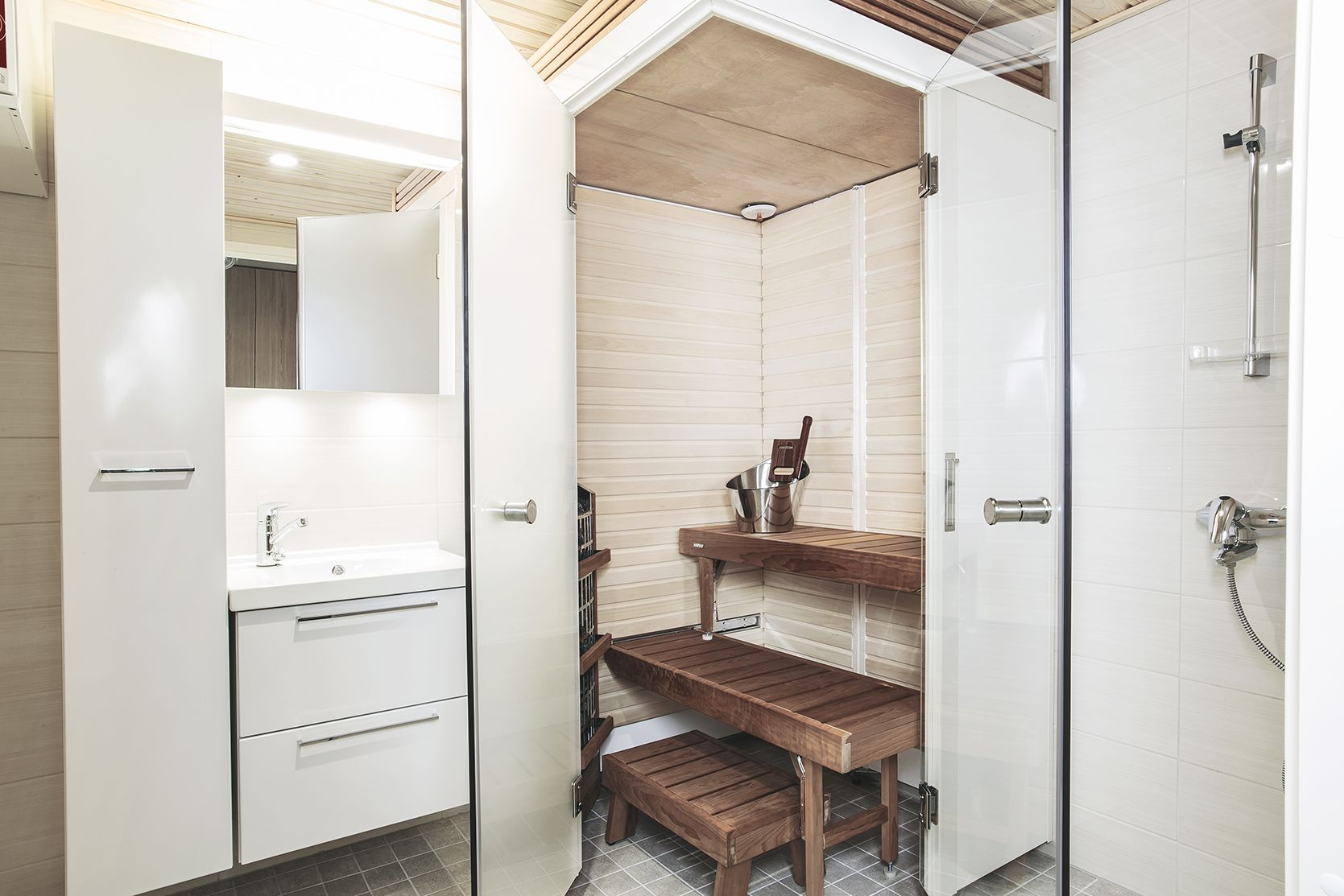 With Foldable Bathroom Sauna You Can Truly Use Every Square Feet Of Your  Bathroom. Having The Very Own Comfort Zone In Your Home Is A Part Of Every  Day ...