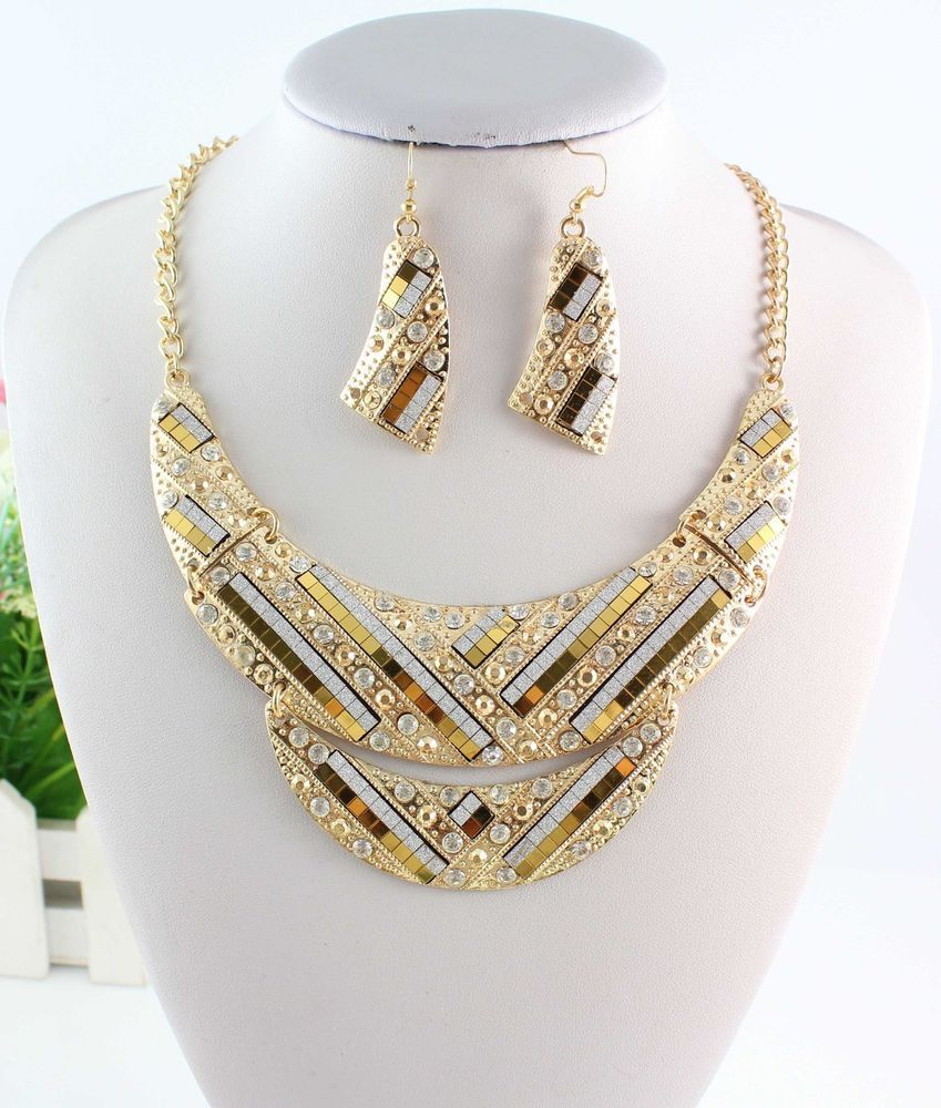 Fashion Golden Chain Clear Crystal Rhinestone Pendant Necklace Earrings Set