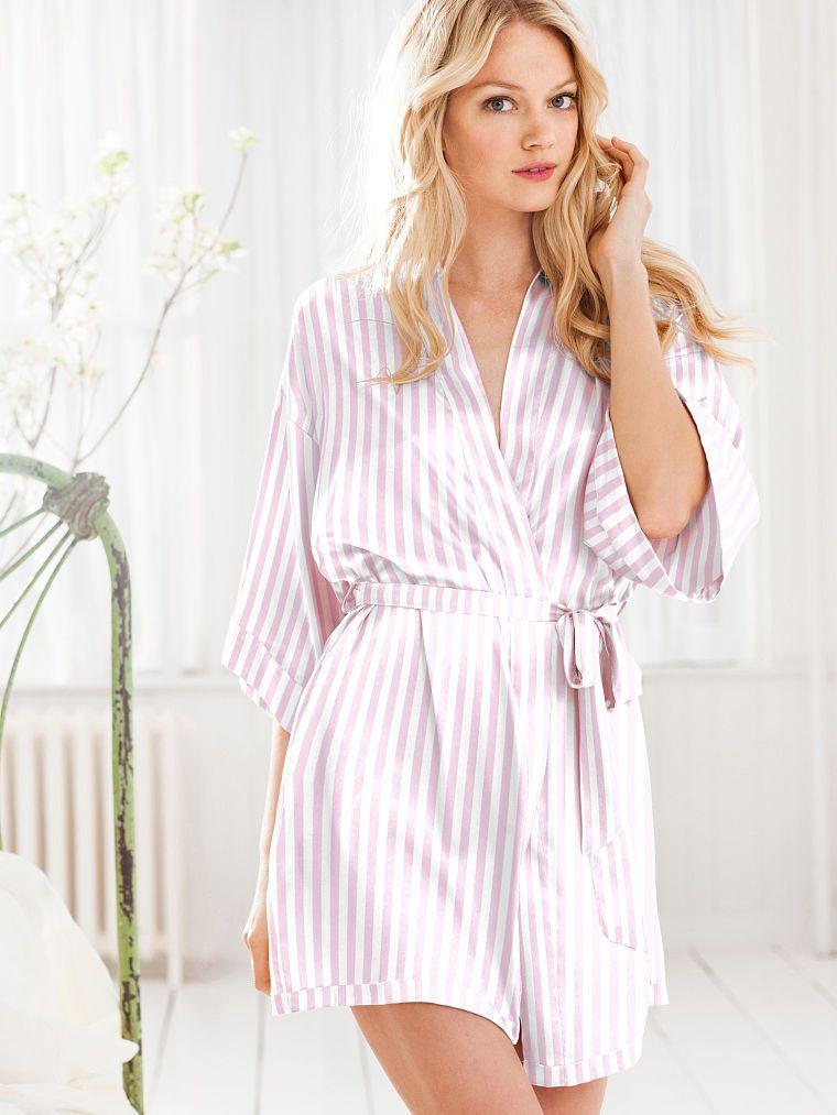 Silk Robe -- Kimono - Very Sexy - Victorias Secret -5773