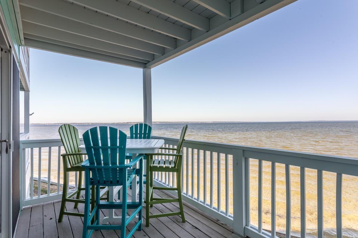 Perdido Bay Waterfront property for sale! 2 bedroom 2.5