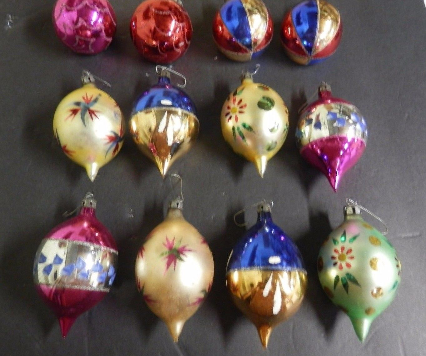 12 vtg christmas ornaments teardrop round painted indents poland ebay antique