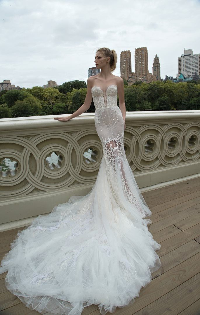 Inbal Dror 2016 Collection BR16-08 #bridal #weddinggown