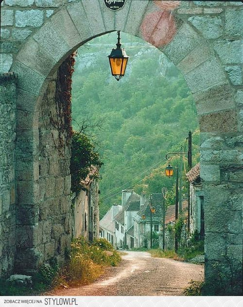 theenchantedcove: Arched Entry, Dordogne, France...