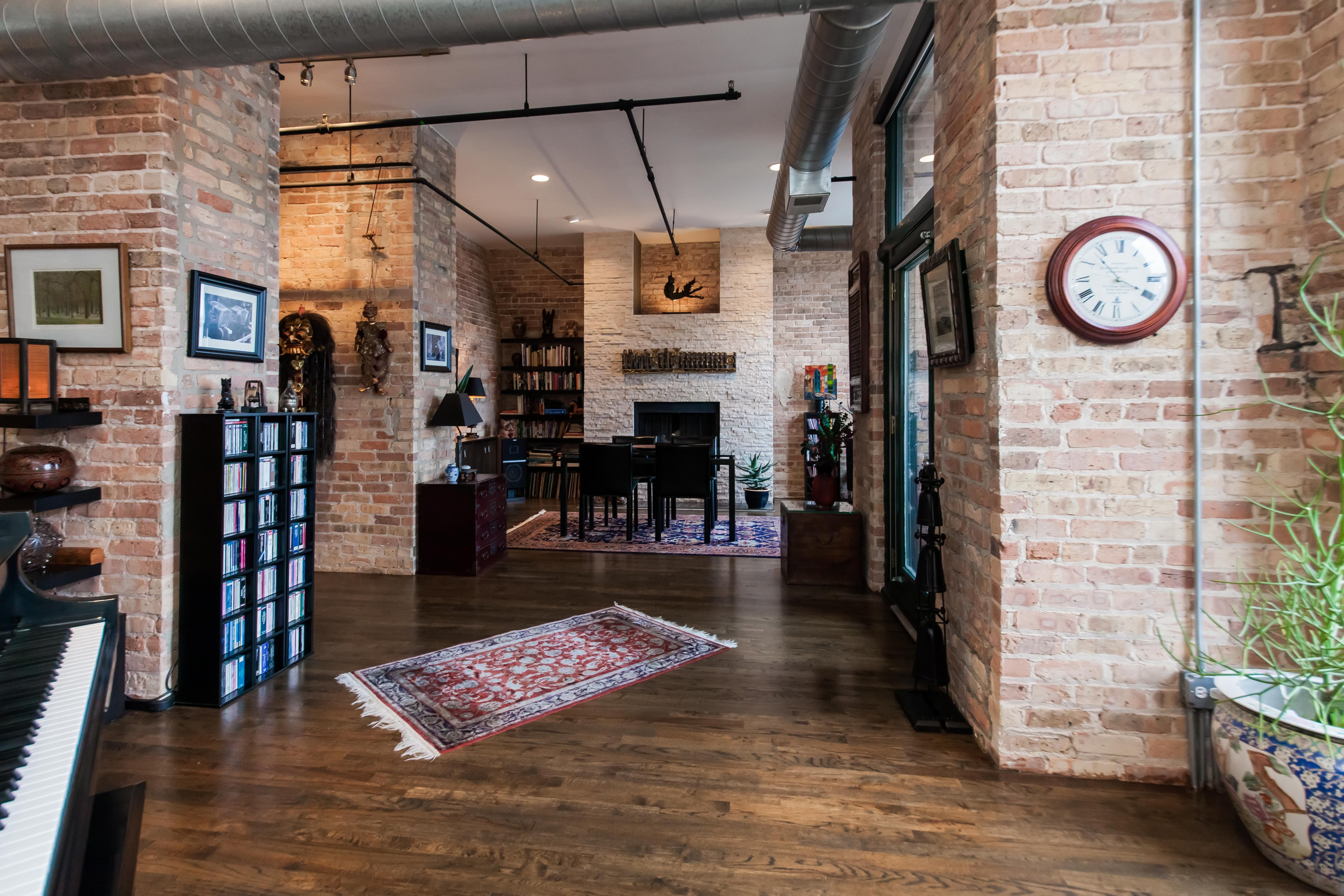 This 1400 squarefoot loft for rent in the West Loop was