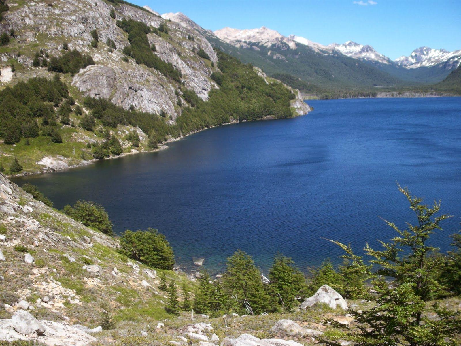 Lago cerca de Río Pico, Chubut, Patagonia