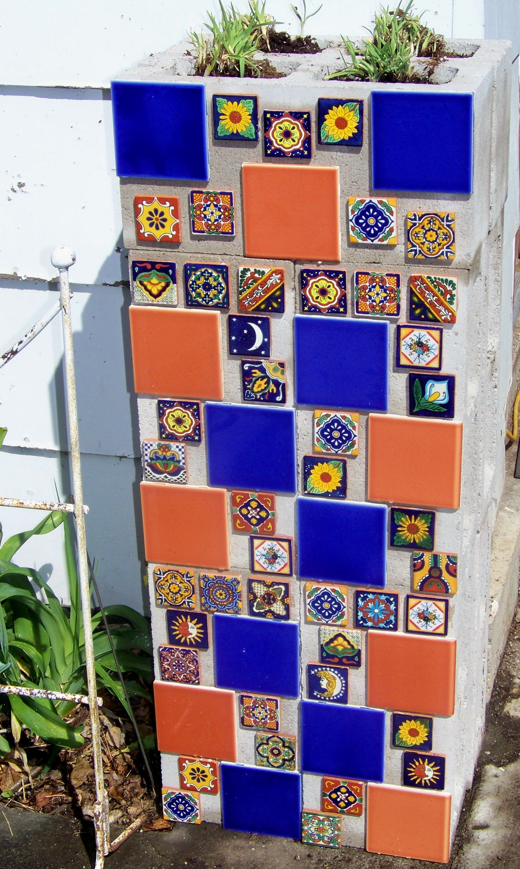 Cement Blocks And Mexican Tiles Maybe This Can Be Redesigned With Something Else Cinder Block Walls Cinder Block Garden Wall Cinder Block Garden