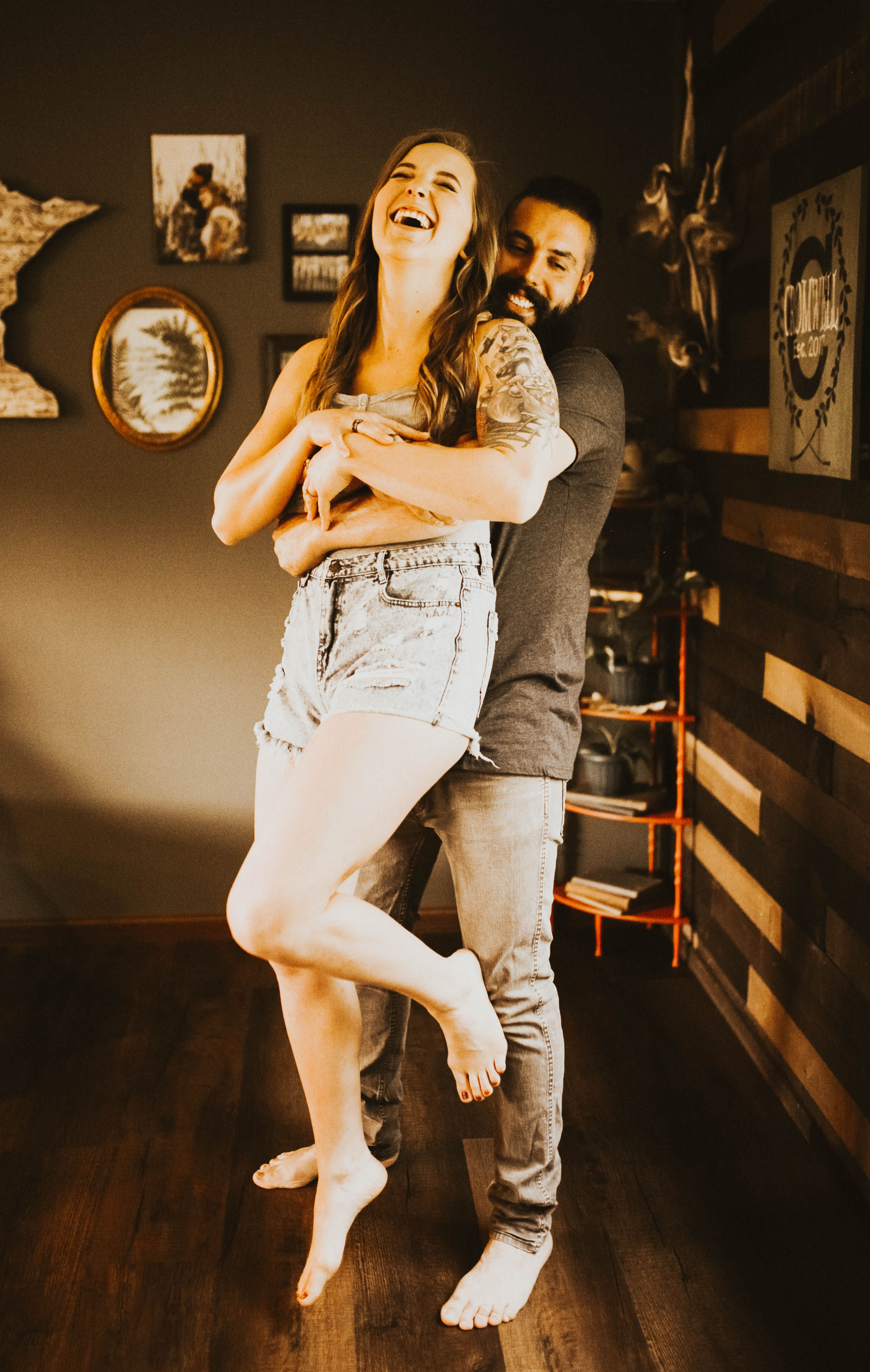 Cozy In Home Couple's Photoshoot ...