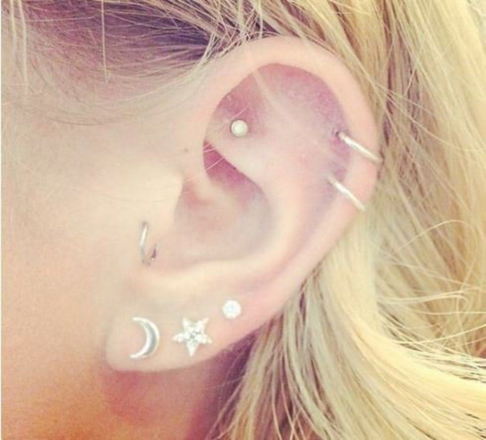 393e3078a 10 beautiful constellation and astronomy ear piercings, from cuffs ...