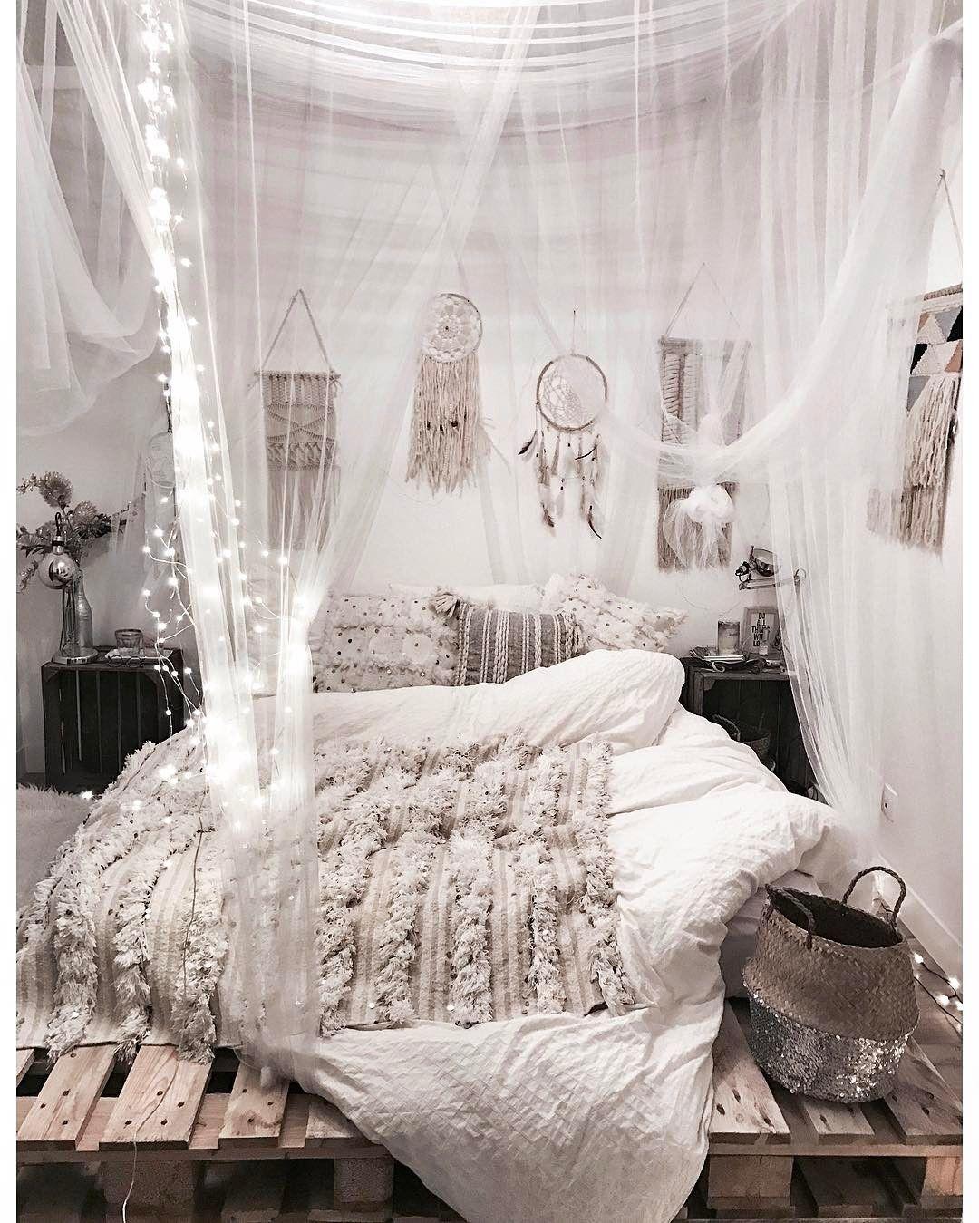 Noeudsjustine O Bohemian Style BedroomsBoho RoomBohemian Bedroom DesignBoho IdeasWhite