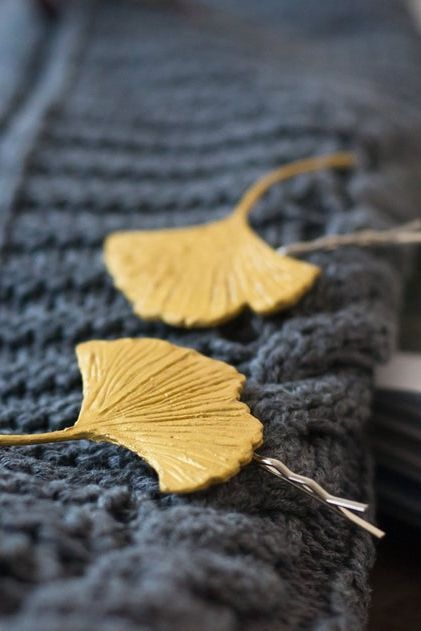 Add these gilded ginkgo leaf hair pins to your style for an instant upgrade, or incorporate into a wedding updo.