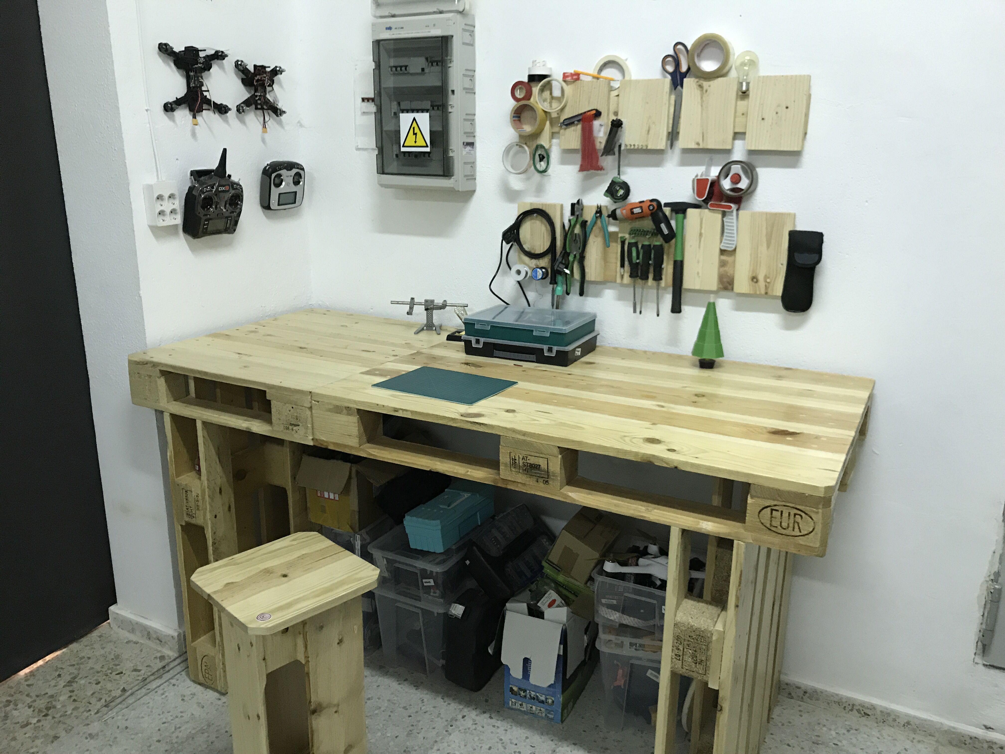 Uno de nuestros bancos de trabajo para electr nica y - Banco de madera ...