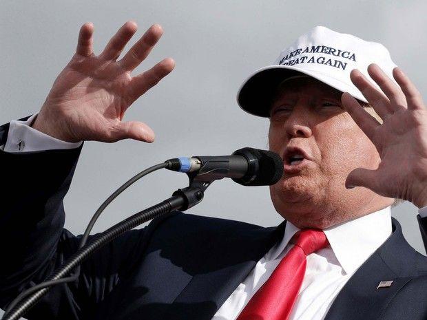 Donald Trump durante comício em Lakeland, na Flórida, na quarta (12) (Foto: Reuters/Mike Segar)