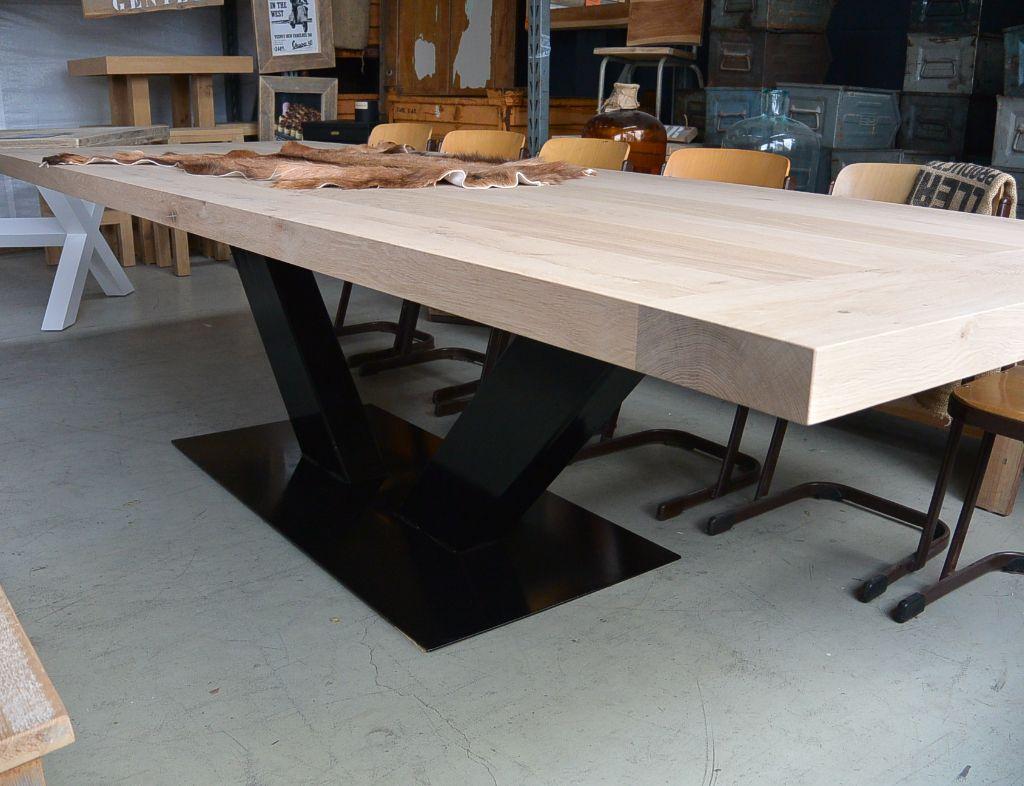 Tafel Stalen Poten : Eikenhout eettafel 3 meter met stalen poten eetkamer pinterest