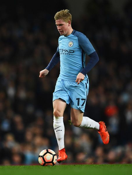 Kevin De Bruyne of Manchester City in action during The Emirates FA Cup Fifth Round Replay match between Manchester City and Huddersfield Town at Etihad Stadium on March 1, 2017 in Manchester, England.