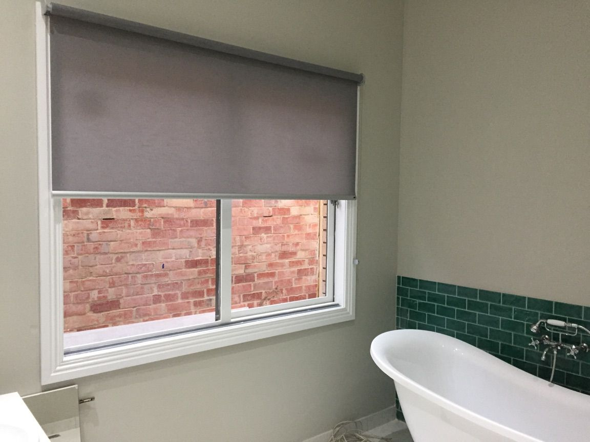 Window blinds bathroom - Luxaflex Aria Translucent Roller Blind In Bathroom