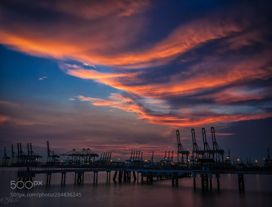 Nature : End of Day - JerryNg6. #Pinterest #photo #photography #landscape #people #girl #girls #hot #naked #cute #food #sport #travel #dress #fashion