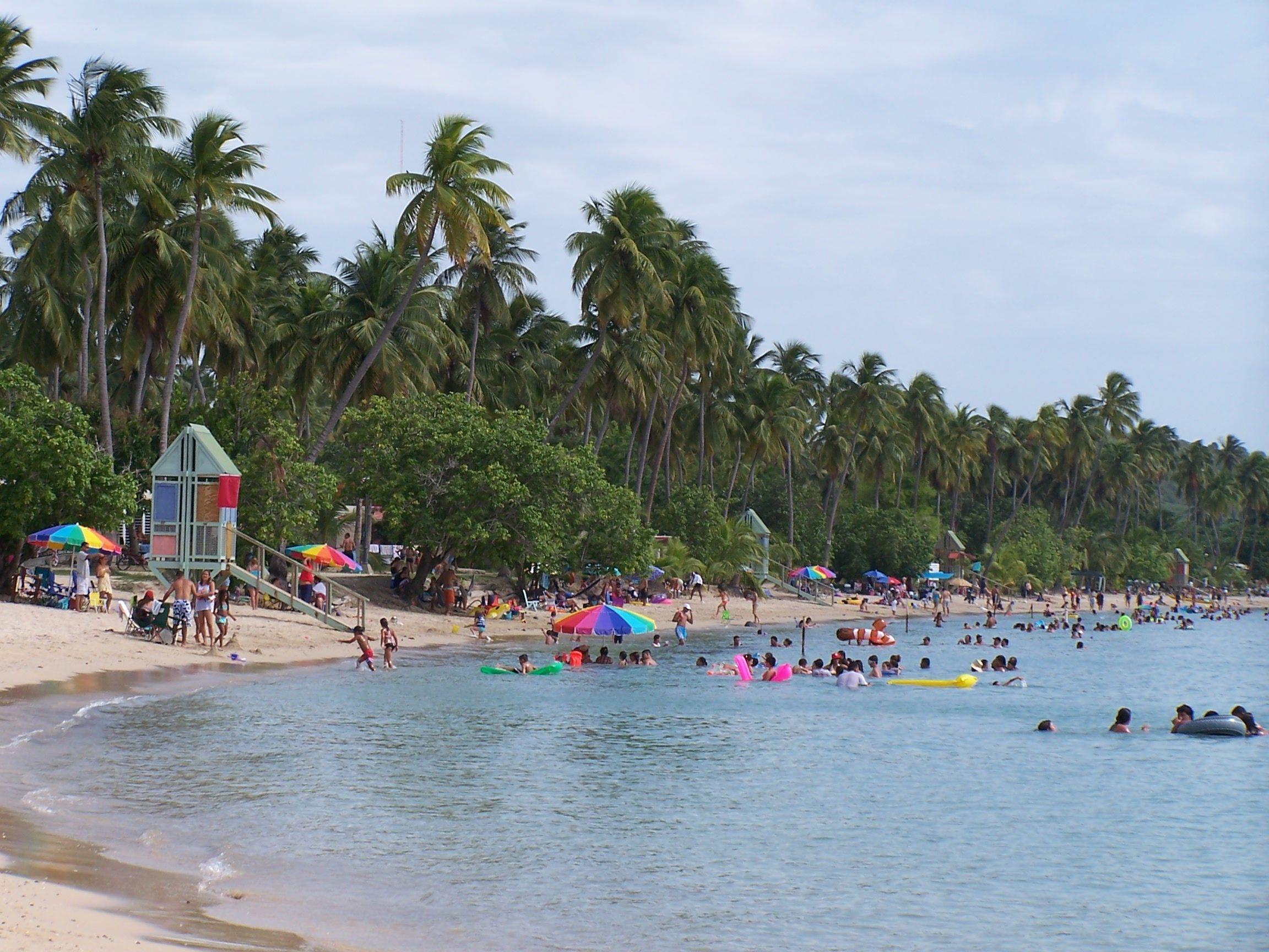 La playa de boqueron this is where i am from cabo rojo for Villas koralina combate cabo rojo