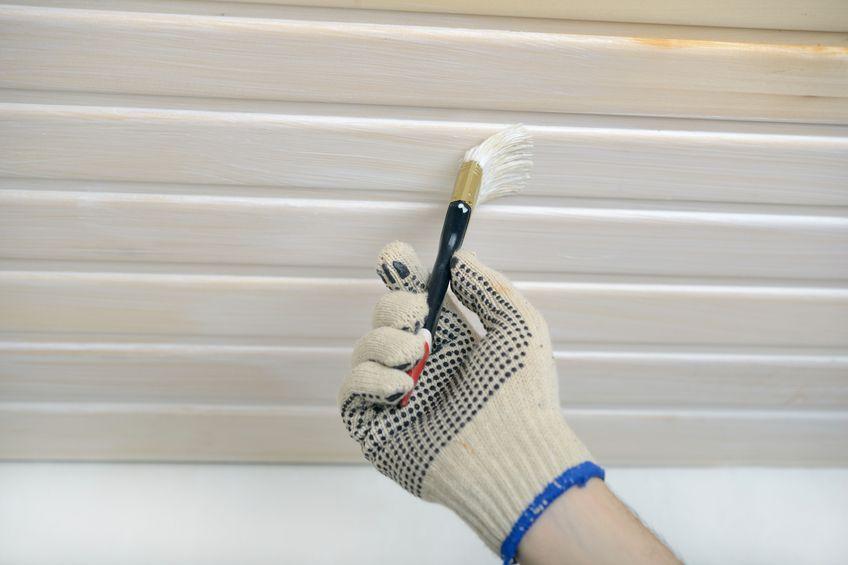 Holzpaneele Weiss Lasieren Anleitung In 5 Schritten Holzpaneele Verkleidung Streichen Holz Weiss Lasieren
