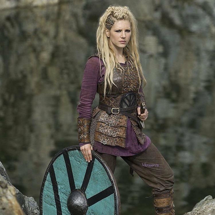 Vikings - Lagertha (Kathryn Winnick) | Idee per costumi, Guerriero ...