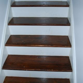 Best Refinishing An Hardwood Staircase Refinish Staircase 400 x 300