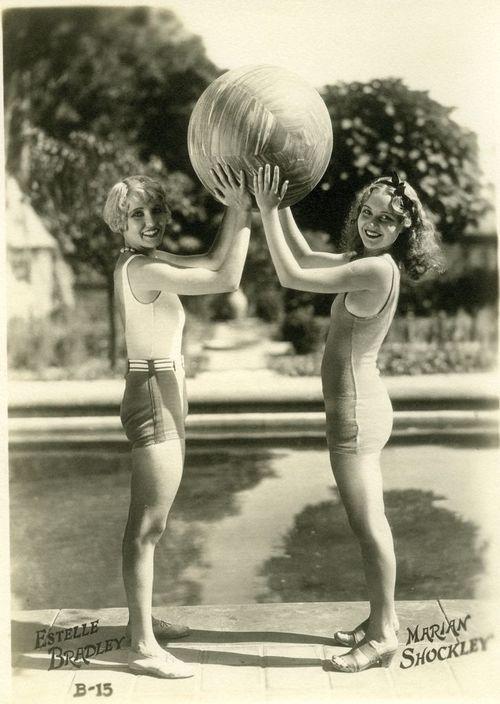 Vintage Swimwear, c,1920s Estelle Bradley & Marian Shockley #VintageLadies #VintageLady #20s #1920
