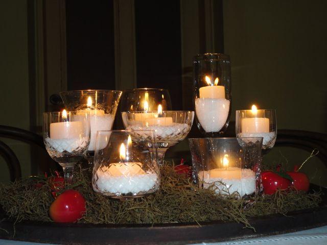 Decoracion con velas para navidad centro de mesa con - Adornos navidenos con velas ...