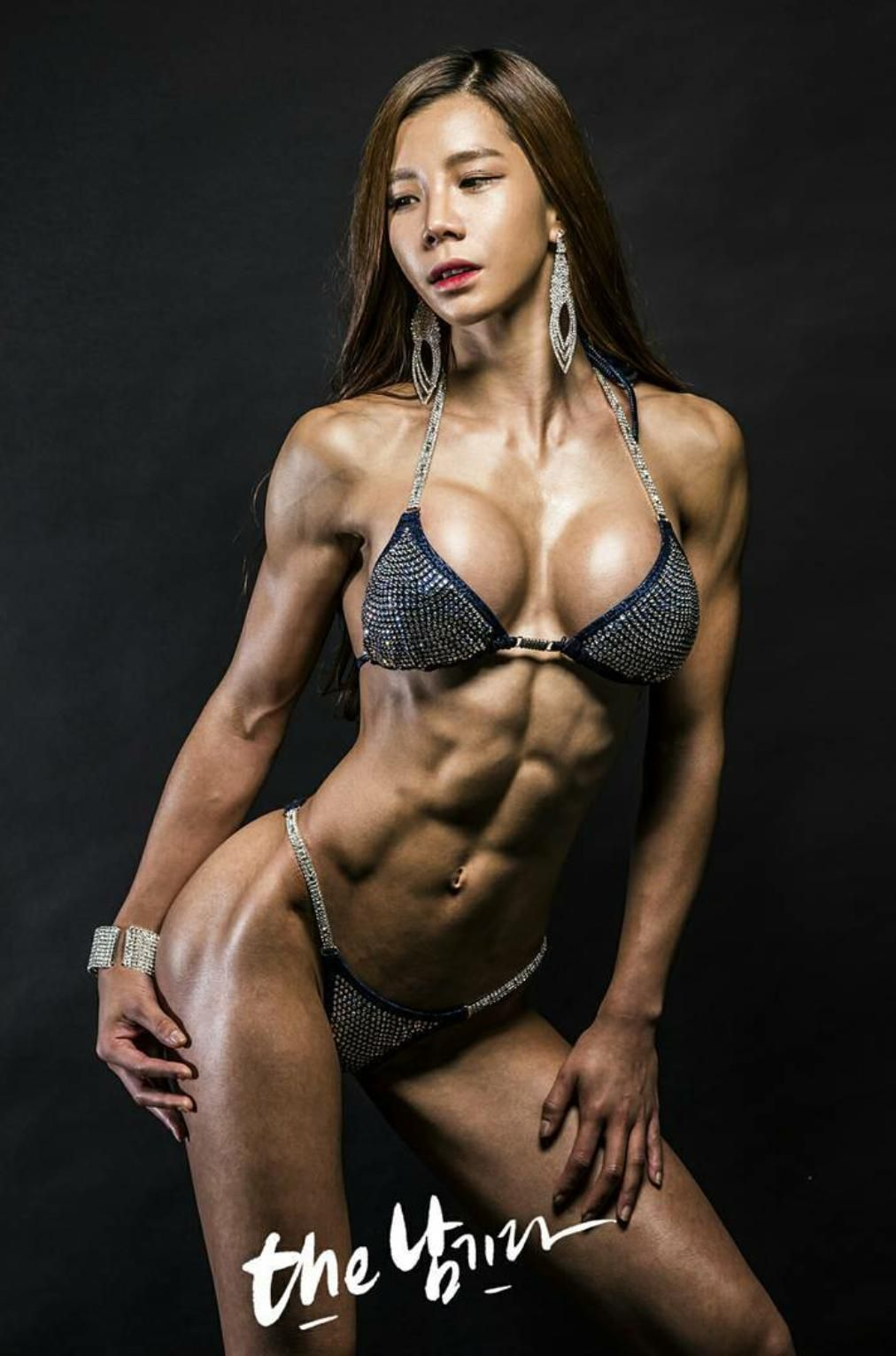 female muscle asian