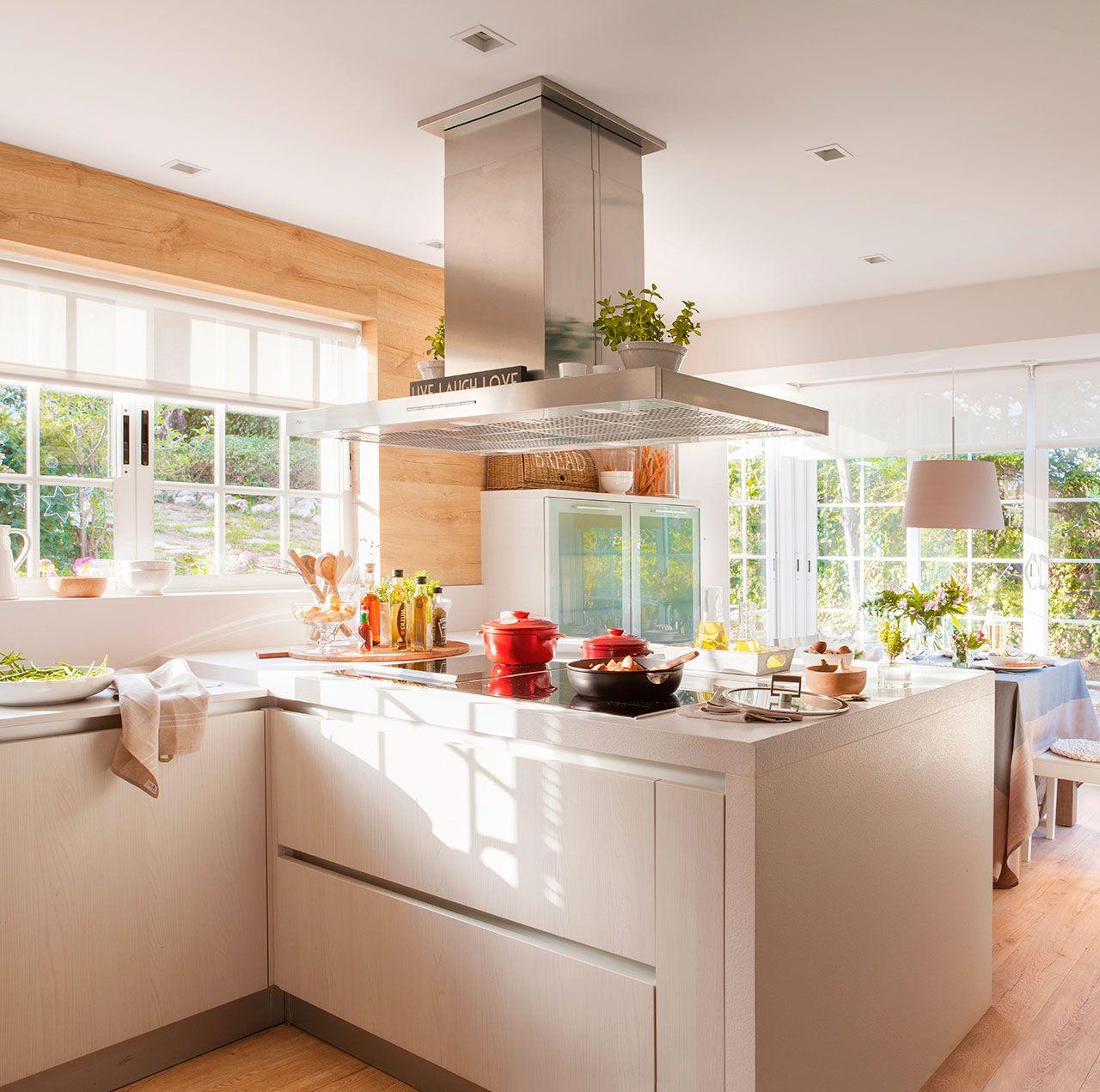 Cocina De Muebles Blancos Abierta A Un Office Con Grandes  # Bonjour Muebles