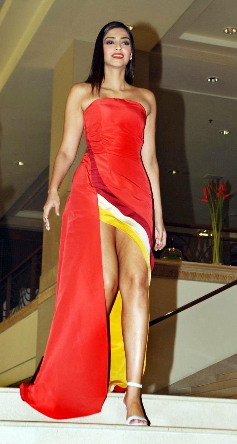 Hot Pics Of Sonam Kapoor In Bikini