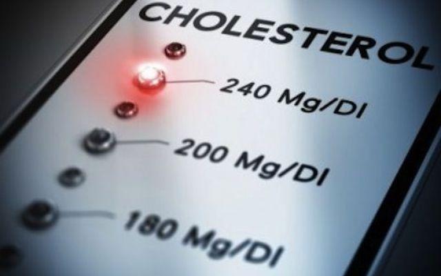 Colesterolo alto: sempre più italiani ne soffrono pochi sanno di averlo Sono molti gli italiani che pur soffrendo di colesterolo alto non sanno nemmeno di averlo. E numeros colesterolo colesia dieta