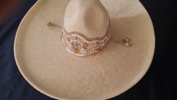 Sombrero Charro de Lana. - Color hueso con toquilla de gala .. - Hecho en  Jalisco e1658e372b0