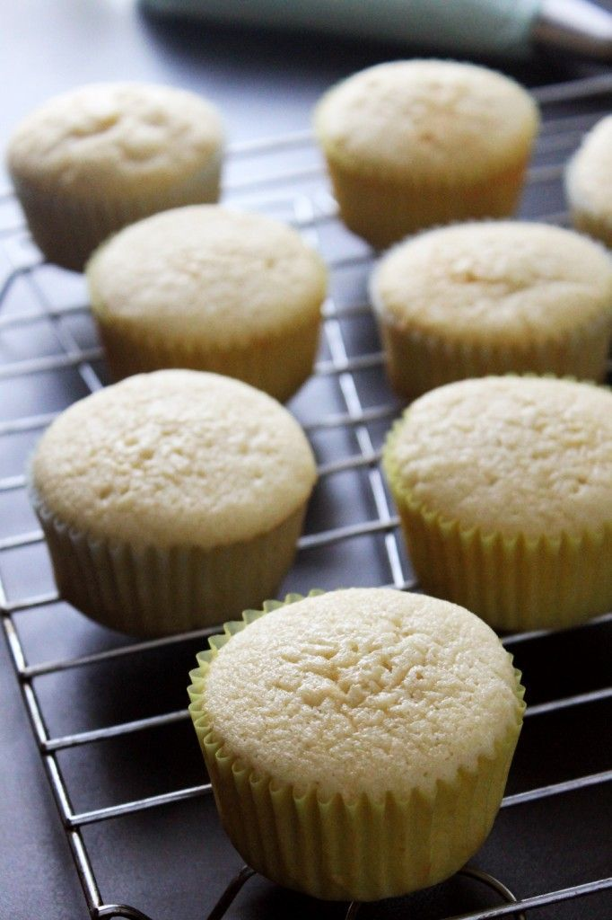 how to make simple cupcakes from scratch