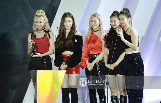 Press 191126 Itzy At The Asia Artist Awards Aaa 2019 In Vietnam Asia Artist Awards Itzy Girl Group