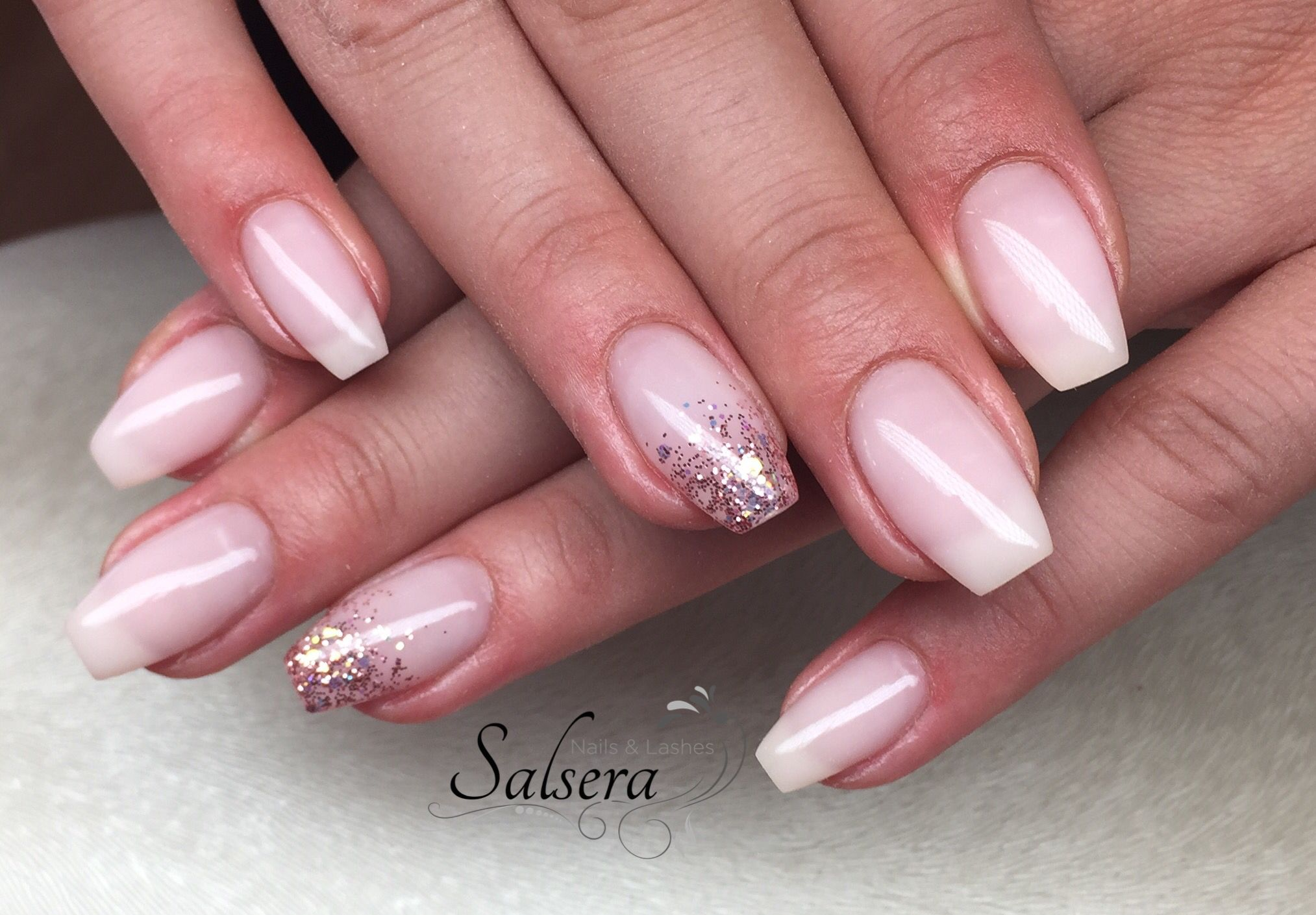 Ballerina Nails Nageldesign Gelnails Rose Milky Glitter Salsera